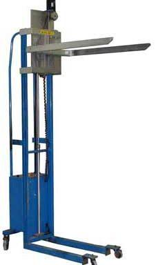 Електровізок для переміщення бункерів з шишками